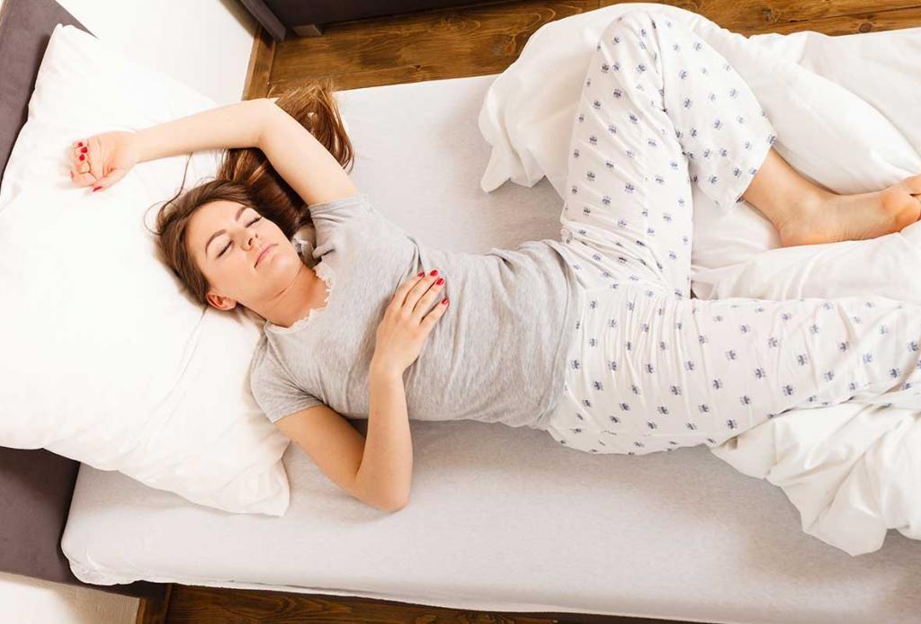 Почему во время сна человек может подёргиваться?