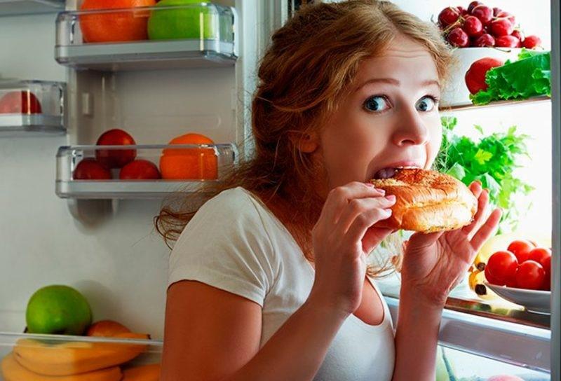 Почему приём пищи после 6 вечера вреден?