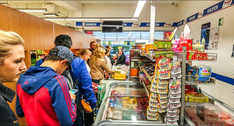 Способы, которые помогут выбрать самую быструю очередь в супермаркете