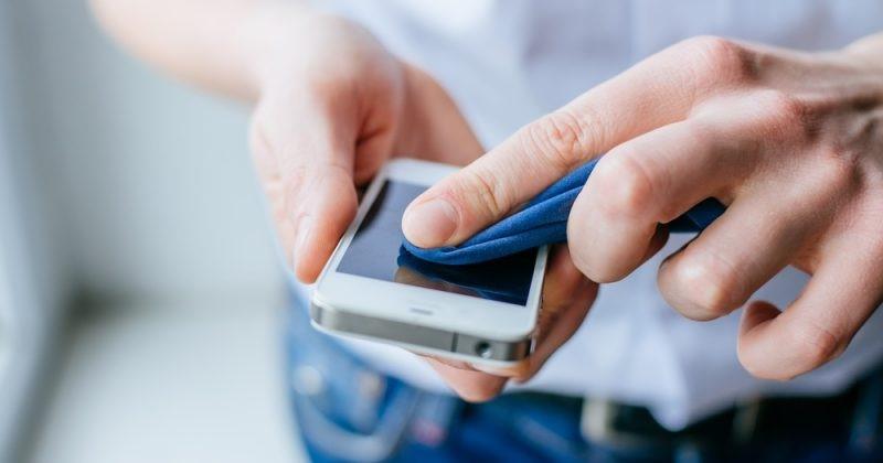 Как прочистить динамик смартфона своими руками