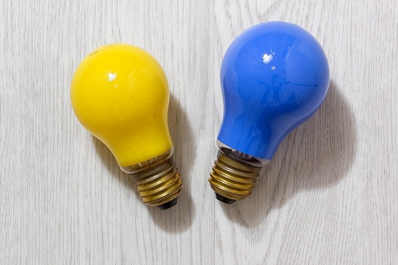 Как обезопасить подъездные лампочки от вандалов народными способами