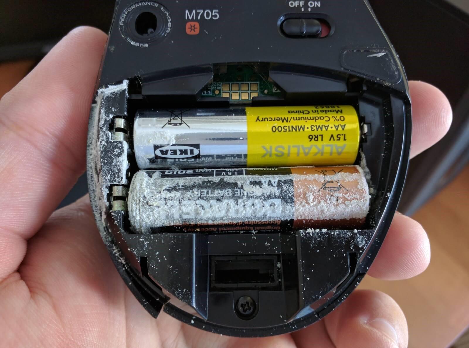 Батарейка потекла: что делать?