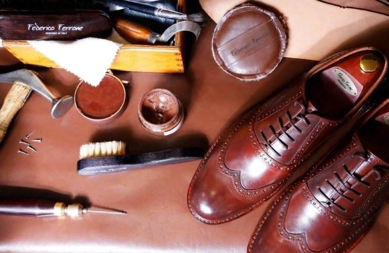Как почистить обувь с внутренней стороны?