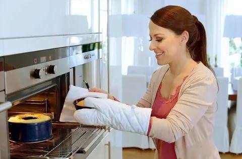 Как правильно печь пироги в духовке?