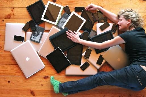 Жертва электронных технологий, или как смартфоны убивают в нас людей