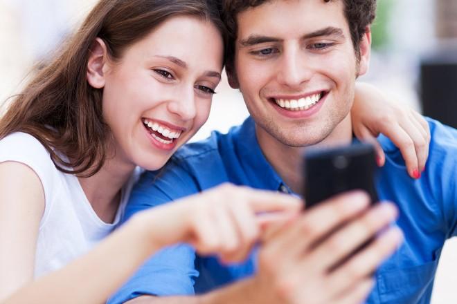 Как подписать любимую женщину в смартфоне