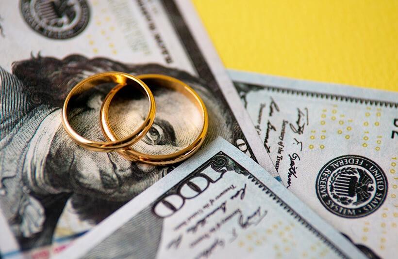 Сколько денег принято дарить на свадьбу