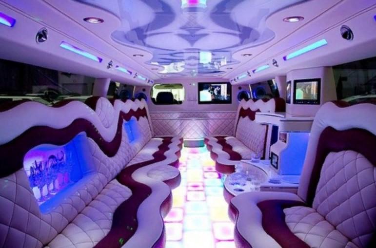 Свадебный кортеж: сколько мест в лимузине
