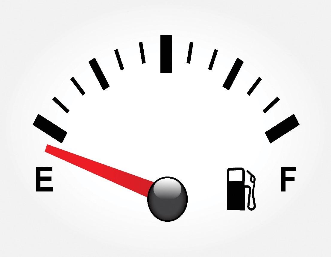Кончился бензин в дороге: что делать