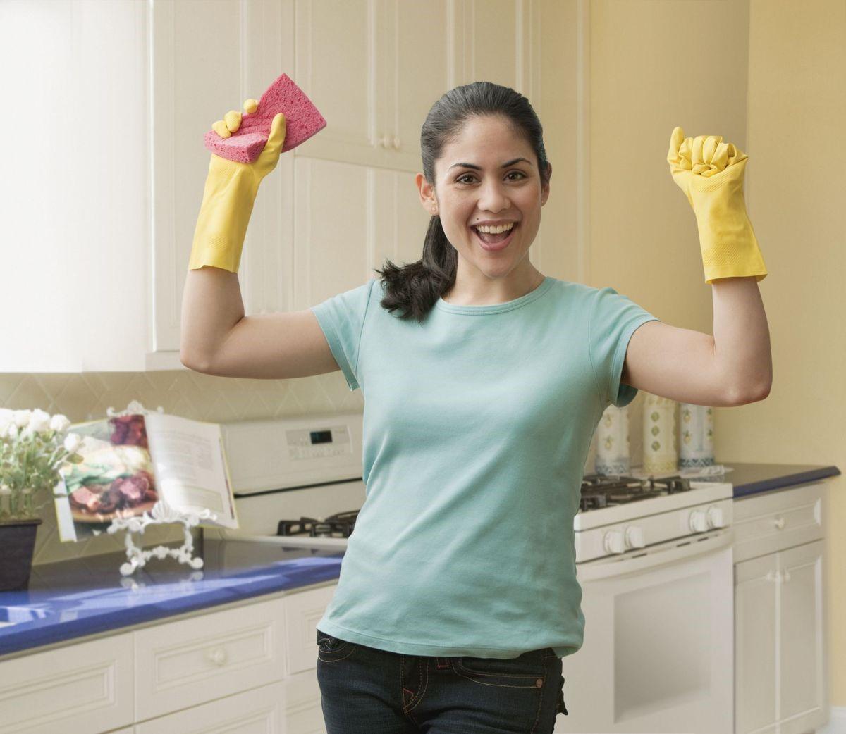 Как убираться в доме, если в перчатках неудобно